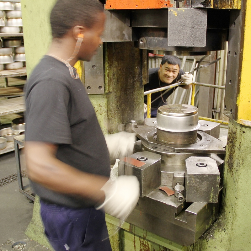 Our Manufacturing Process | About AMC | AMC Cookware
